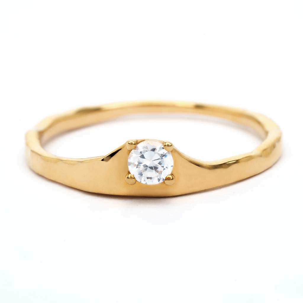 Ienissei ring crafted by sceona sustainable fine jewellery on a white background