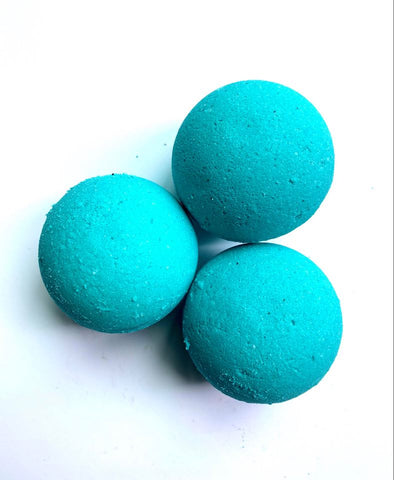 White Sage and Sea Salt Bath Bomb 5OZ