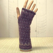 Load image into Gallery viewer, Fairisle wrist warmers knitting kit