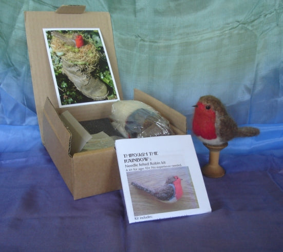 Nesting Robin -Needle Felting Kit