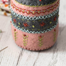 Load image into Gallery viewer, Pin cushion Embroidery  Felt Kit