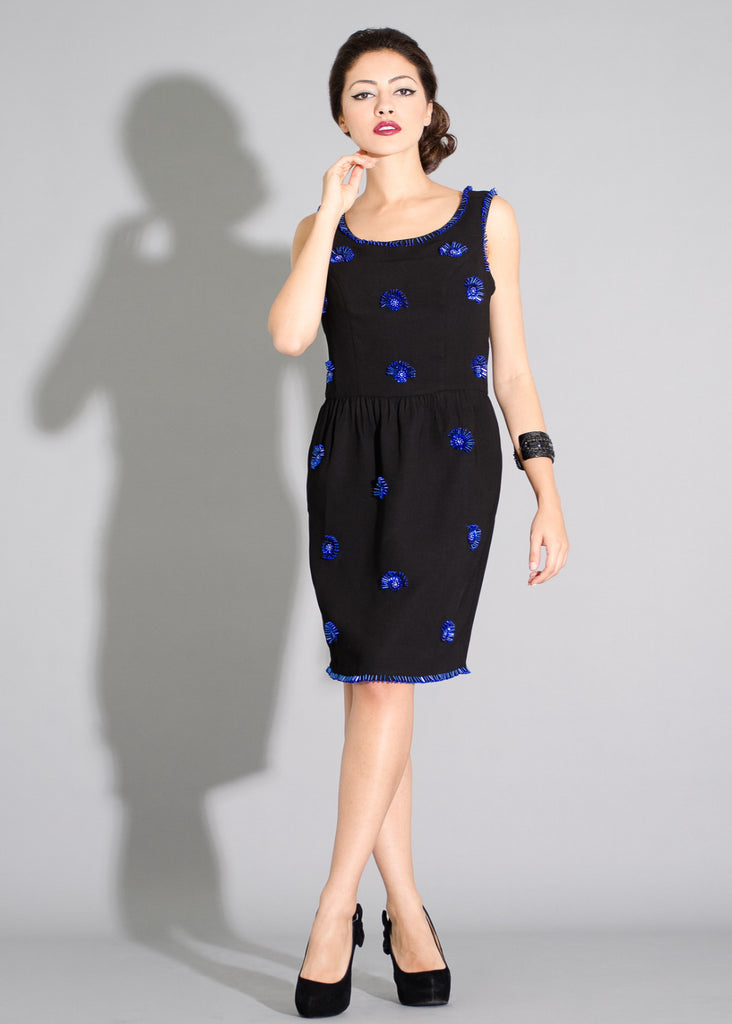 Audrey- Sheath dress with 3-D contrast beading