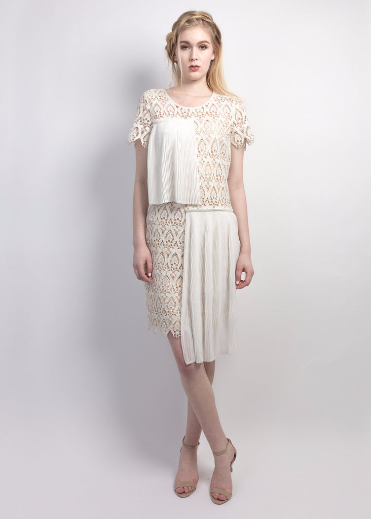 Pleats overlay lace shift dress