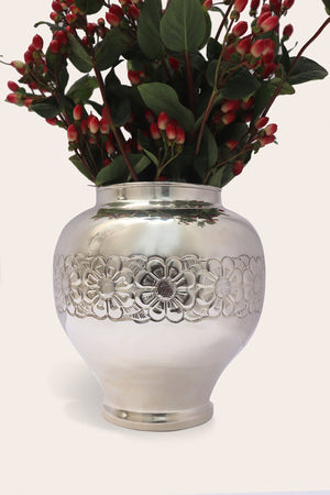 "Handmade Luxury Home Decor Silver Plated ""Georgia"" Flower Vase"