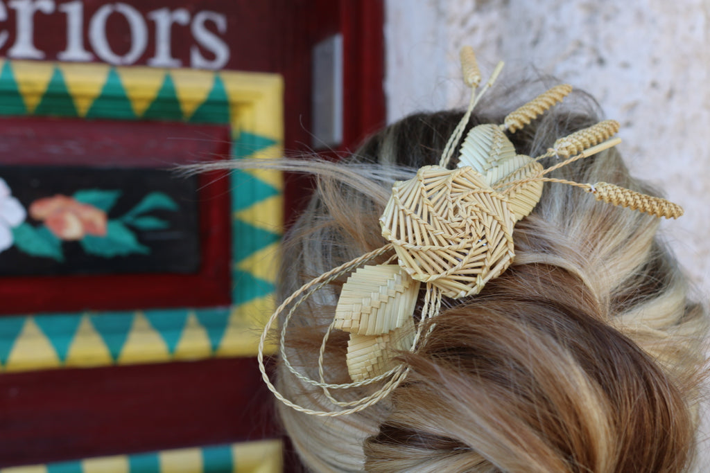 Handmade Wild Straw Flower Combs - The Kemble Shop
