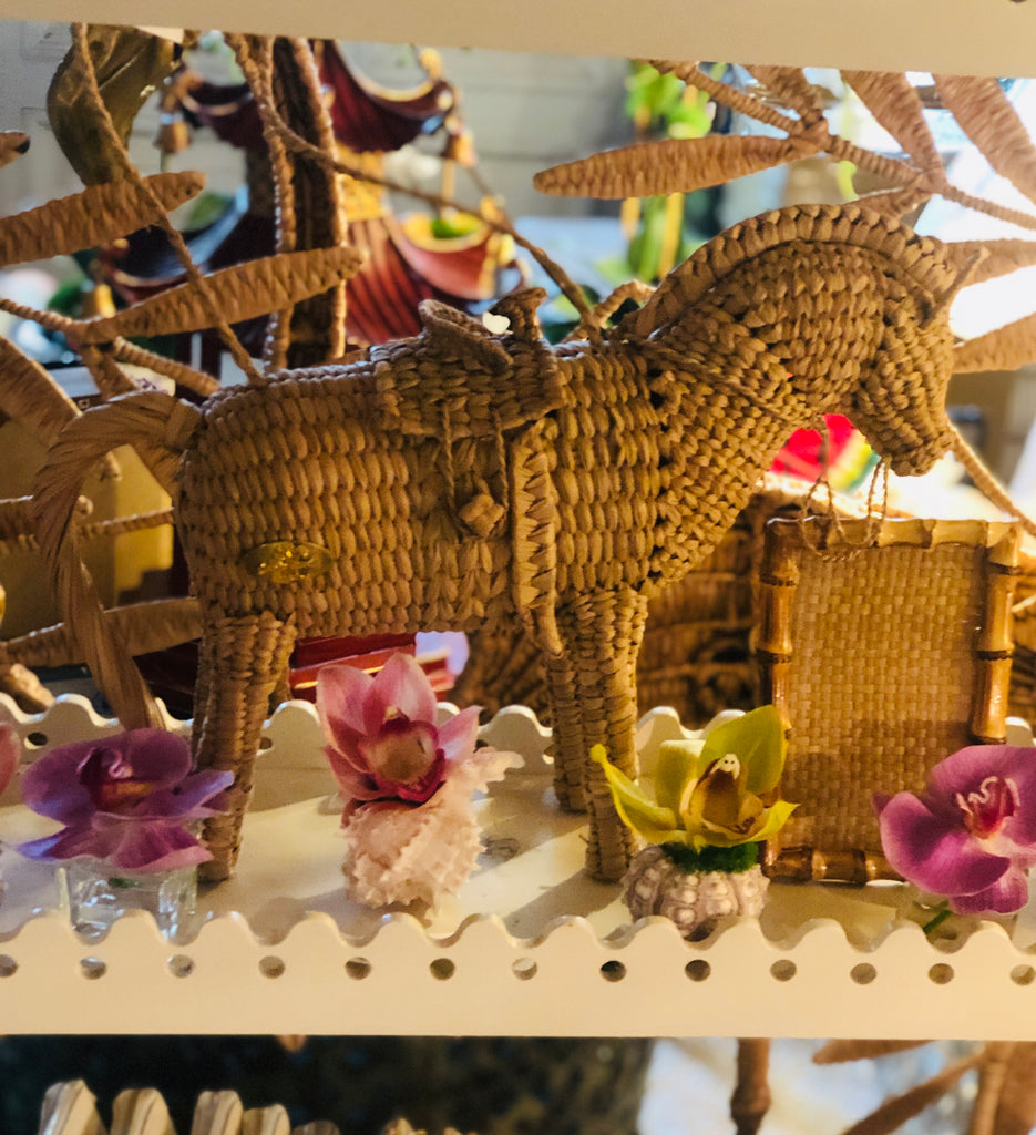Straw Horse Handbag - The Kemble Shop