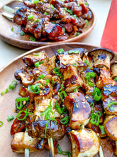 Load image into Gallery viewer, Vegan Shrooms Skewers (Fully Cooked/Frozen)