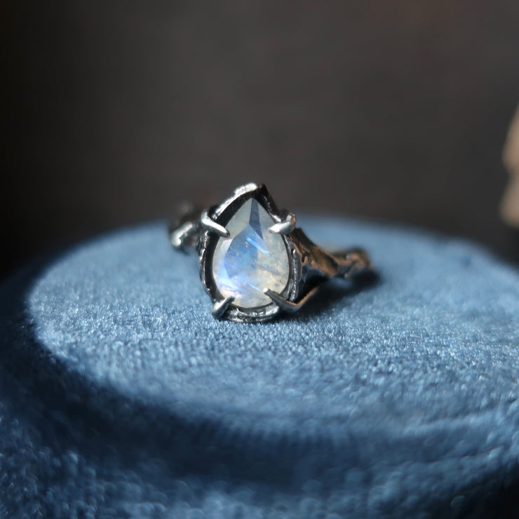 Cin Ring Moonstone