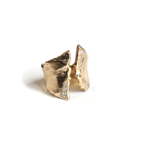 Trench Ring in 14K Gold with Diamonds