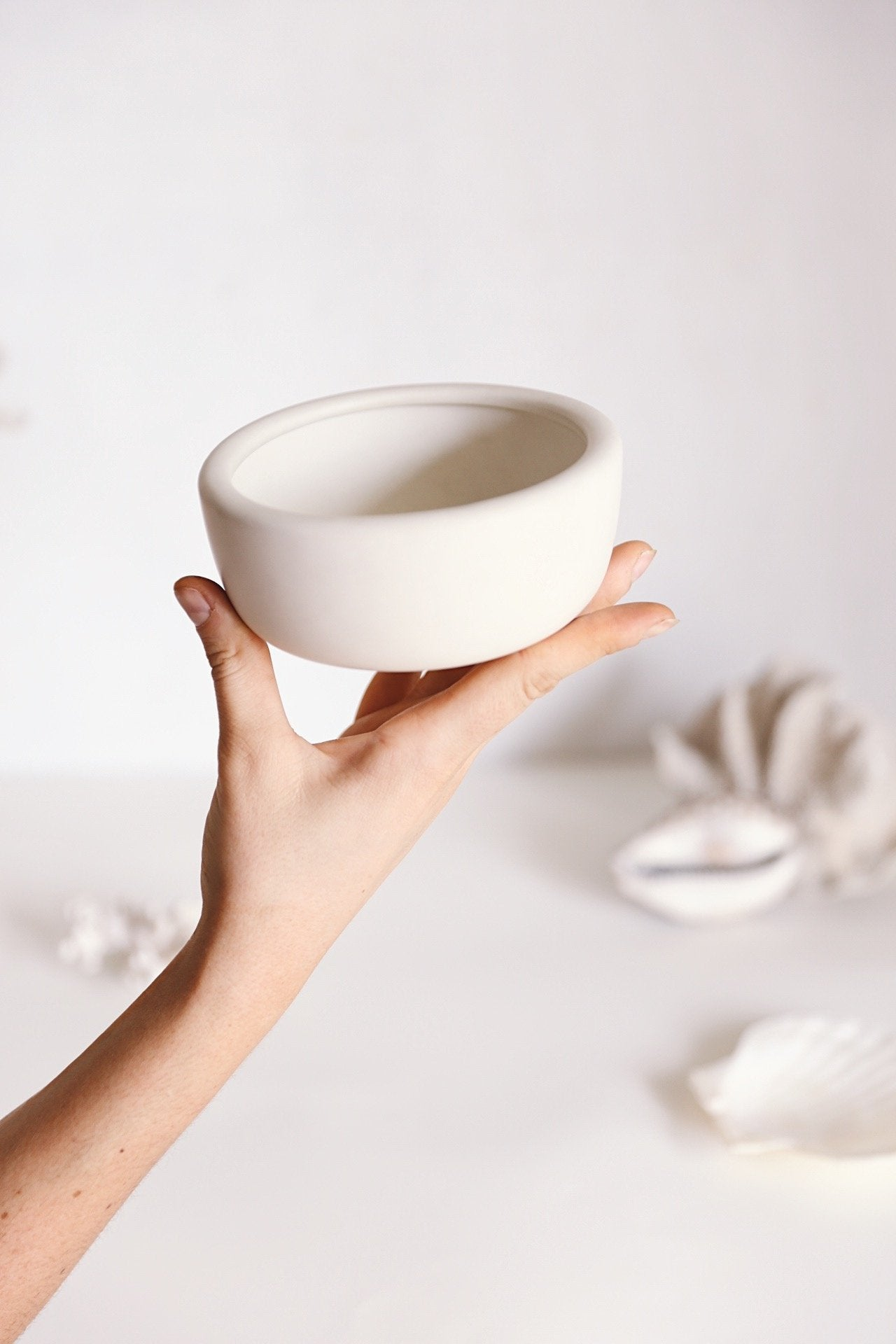 Oh Flora Store | white round ceramic bowl