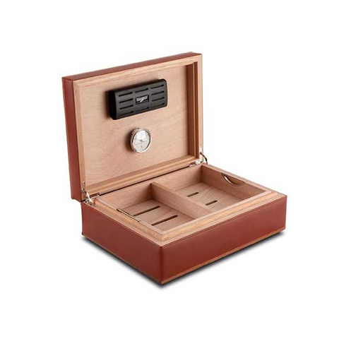 Cigar humidor in wood and leather