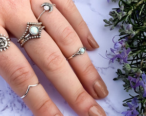 White Opal Toe Ring - Midi Ring