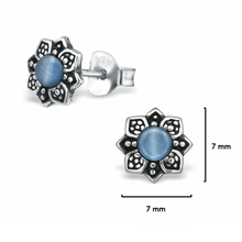 Load image into Gallery viewer, Blue Flower Ear Studs