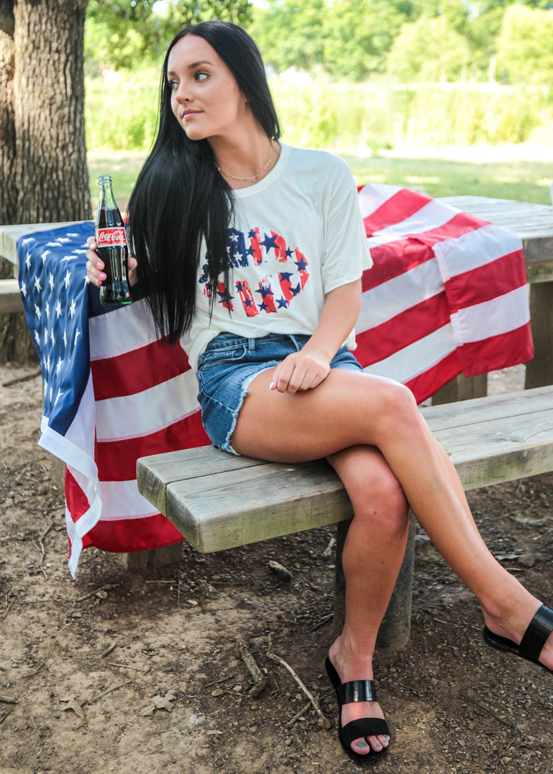 American Beauty Lip Tee