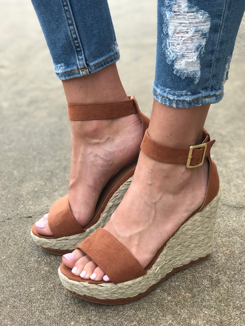 The Lana Wedge