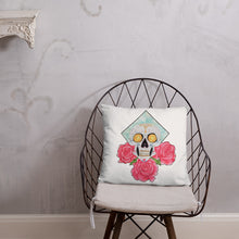 Load image into Gallery viewer, Sparkle Skull Cushion
