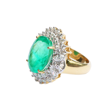 Load image into Gallery viewer, Flowered Shaped 18K Gold Emerald & Diamond Ring
