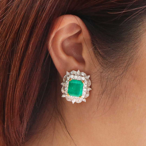 18K Gold Emerald & Diamond Earstuds
