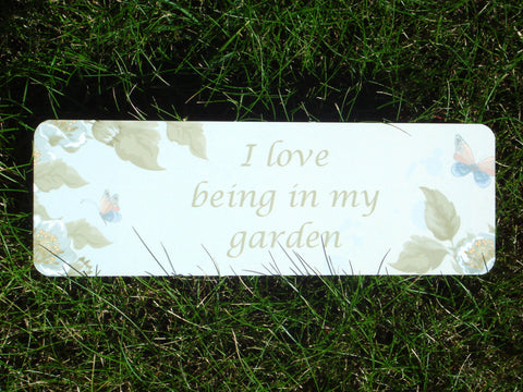 I Love Being in My Garden Vintage Hanging Sign: Green Leaves
