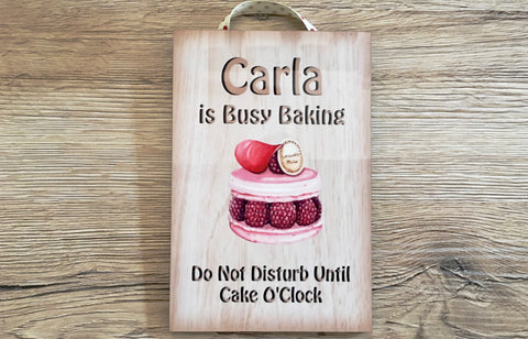 Busy Baking Wood Effect Rustic Sig: Cupcake, Meringue or Candy Design