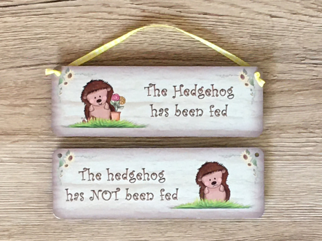 Hedgehog fed / not fed personalised sign at Honeymellow.com