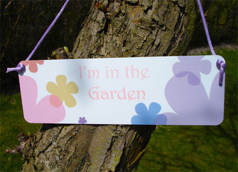 'I'm in the Garden' Hanging Sign: Pink & Purple