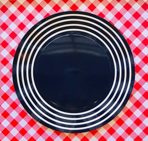 Wavy Dinner Plates (2 colors available)