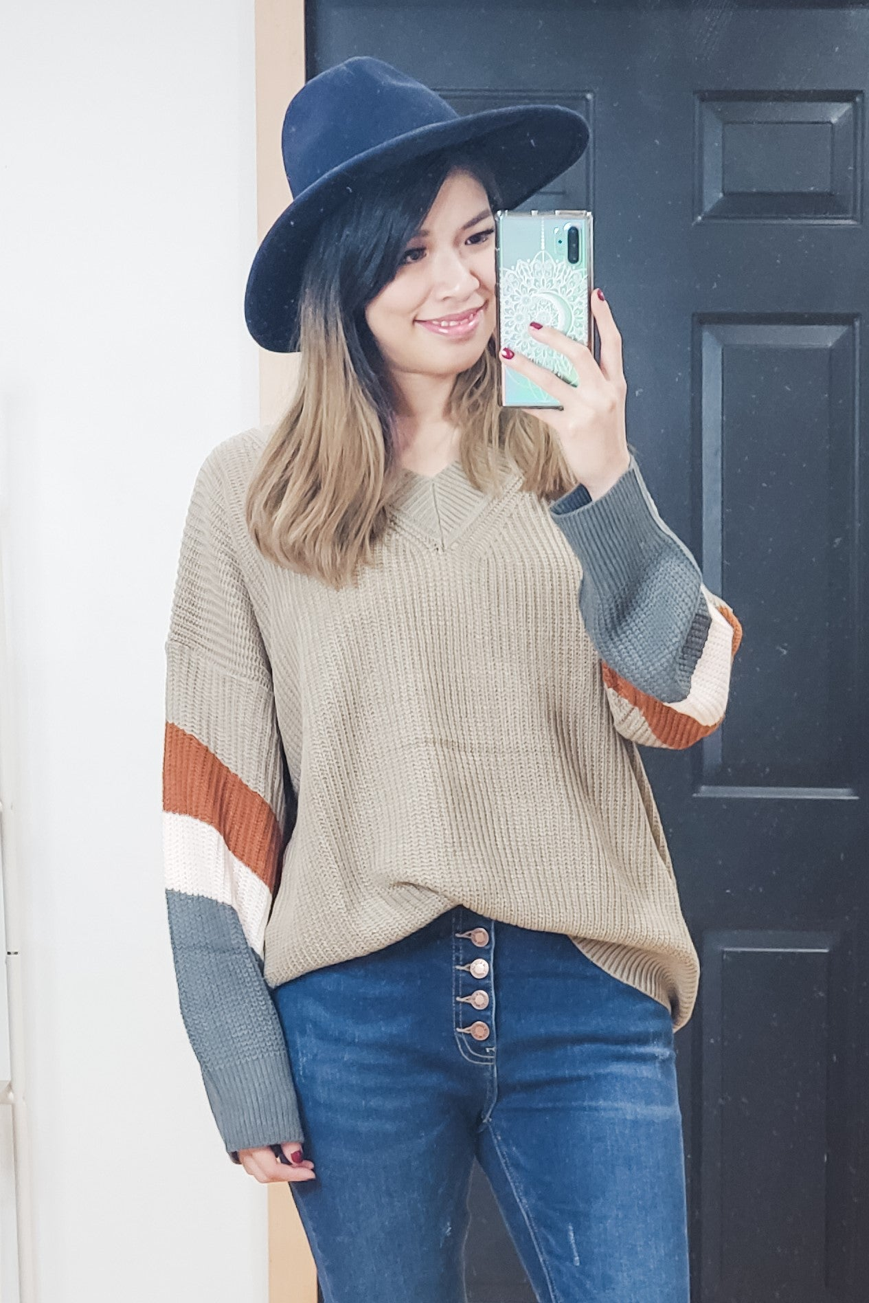 V Neck Color Block Bubble Sleeve Sweater