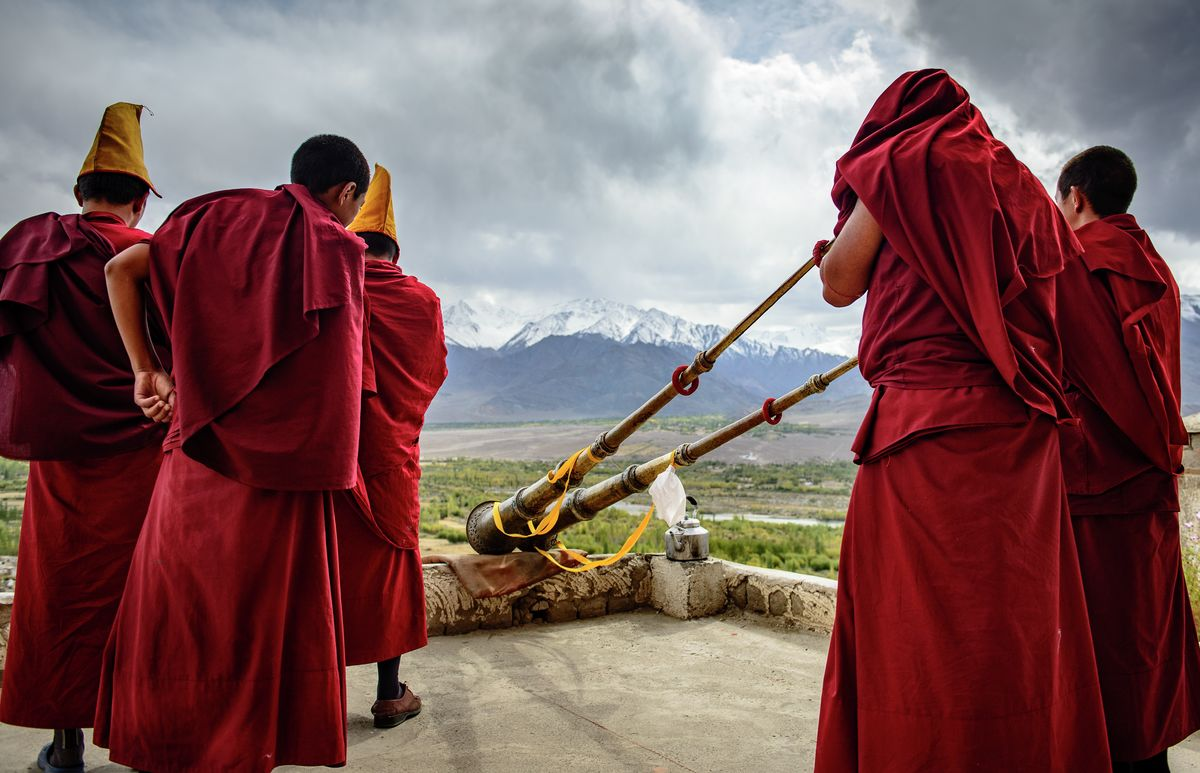 Monks with Dungchen, Thiksey Gompa