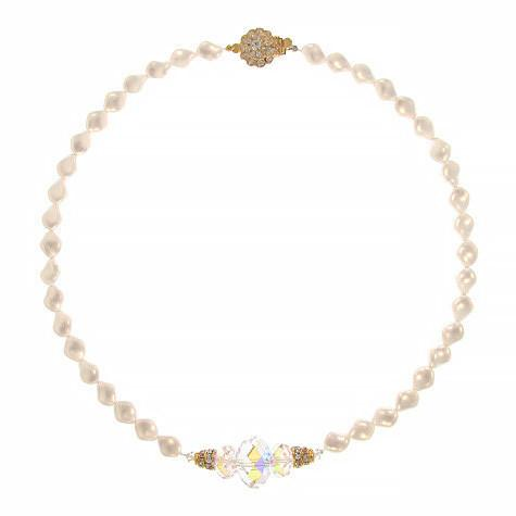 Twist Pearl Necklace with Iridescent Center