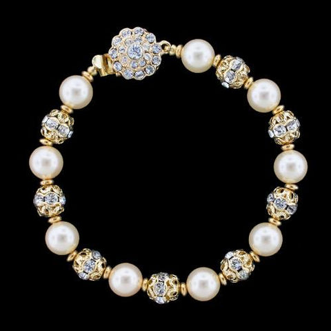 Pearl Bracelet with Detailed Metal Accents
