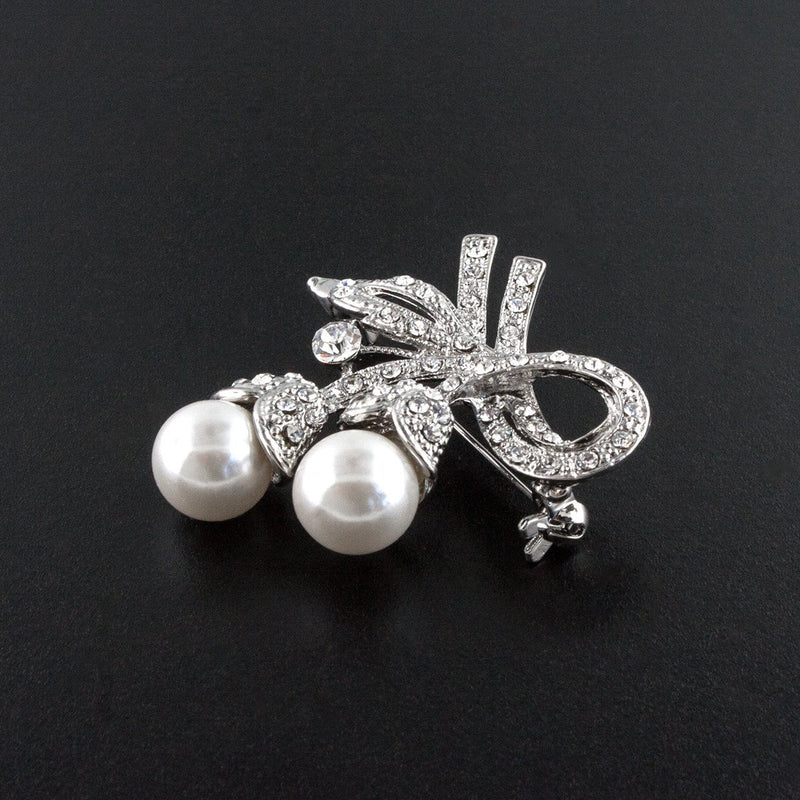 Vintage Style Pearl & Crystal Pin