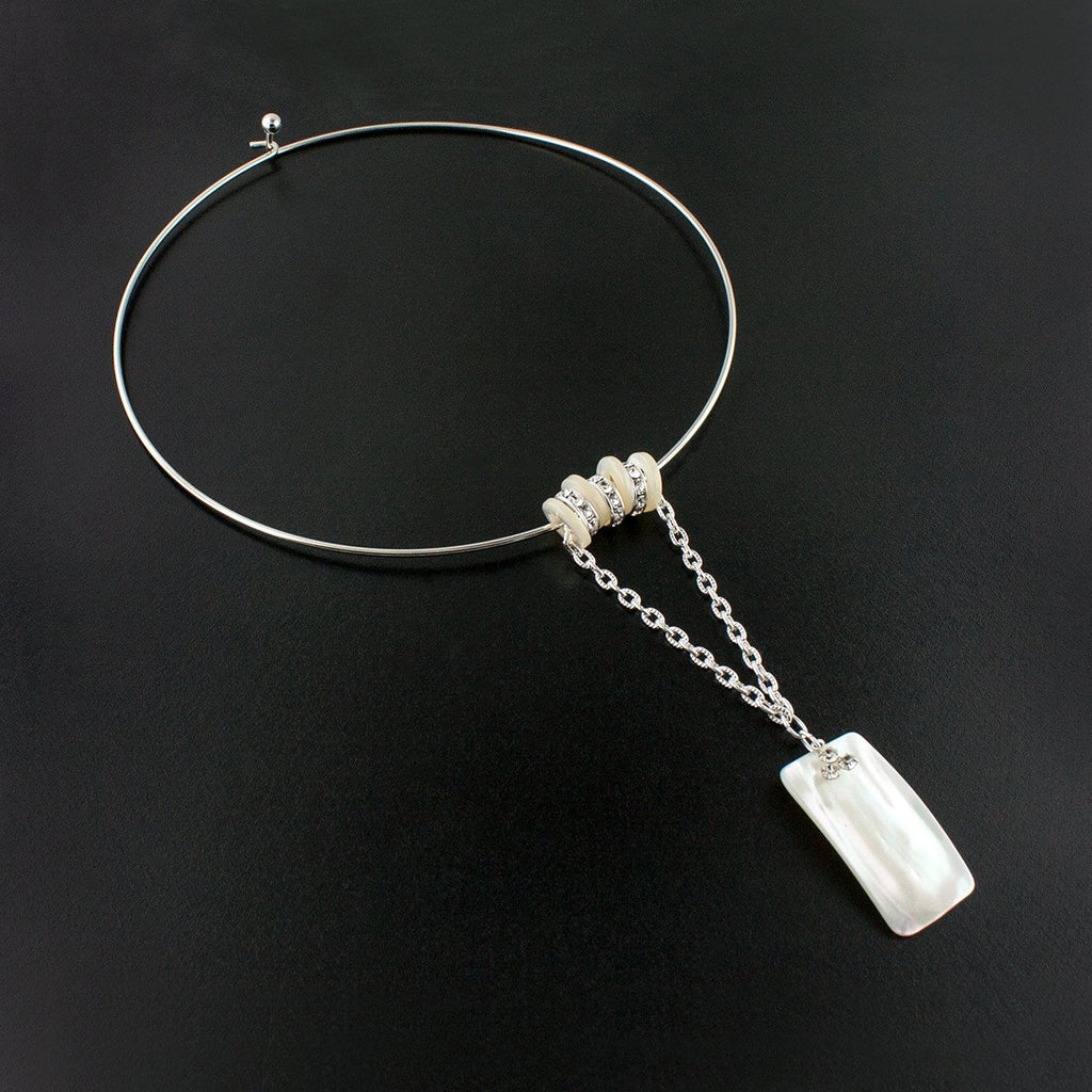 Mother of Pearl Choker Necklace with Pendant