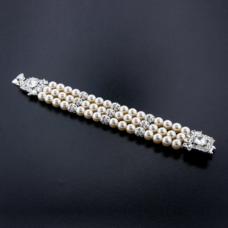 3-Row Pearl Bracelet with Fancy Clasp - cream