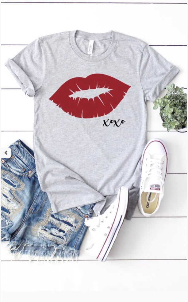 Kiss Me Graphic Tee
