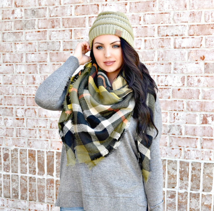 That's A Wrap Plaid Blanket Scarf: Olive/Black