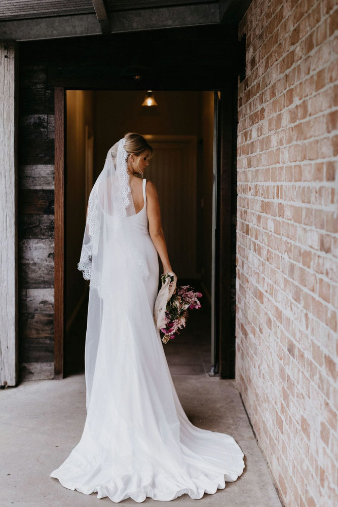 Load image into Gallery viewer, unique bridal veil