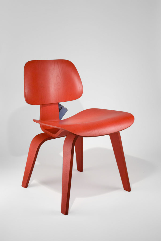 Plywood Chair DCW <br/>by Charles and Ray Eames - Vitra