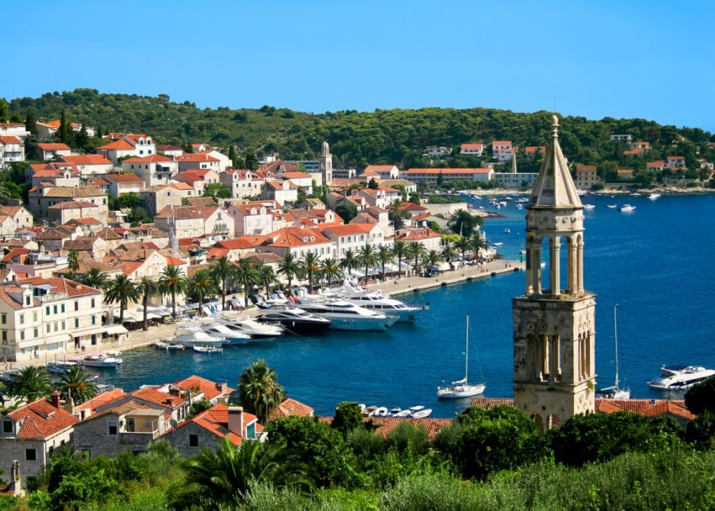 hvar-town-hvar-beautiful-view-of-hvar-town-on-hvar-island-croatia-807-