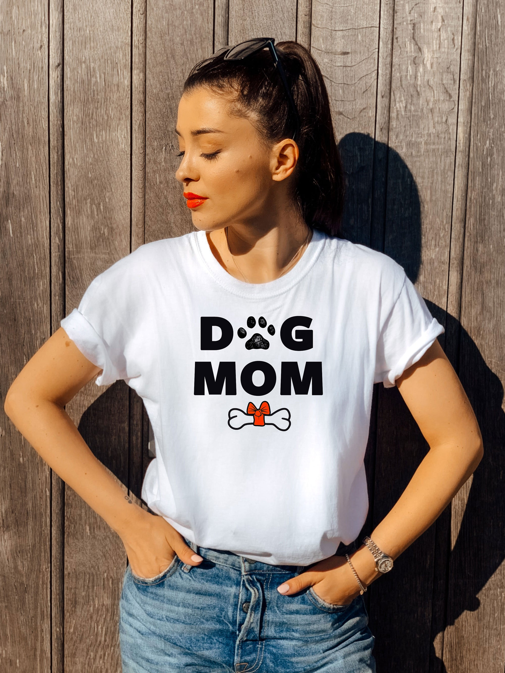DOG MOM - PREMIUM T-SHIRT
