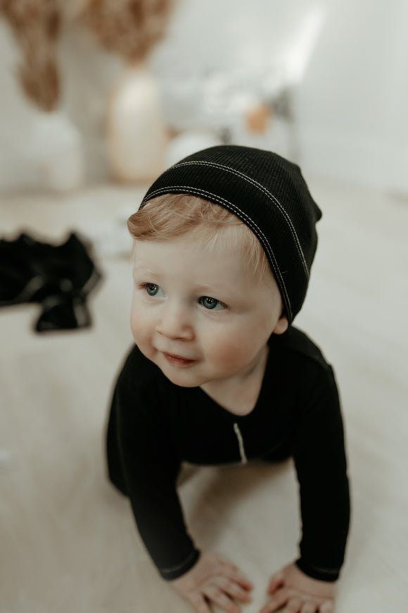 Bee & Dee Rib Collection Contrast Black Footie w/ Beanie