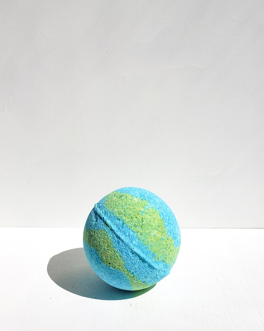 [Highest Quality CBD Skincare & Bath Products Online] - CBD bath bomb, blue and green CBD bath product, 100mg full spectrum hemp oil, Lavender, eucalyptus and peppermint scent.