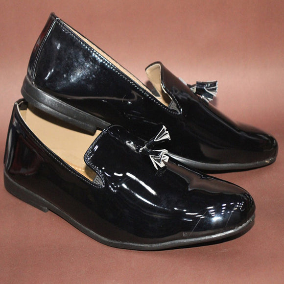 Glossy Simple Loafer Cut Shoe Design 3 Black | 24HOURS.PK