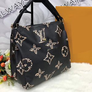 HIGH QUALITY BIG SIZE BAG FOR WOMEN'S BLACK