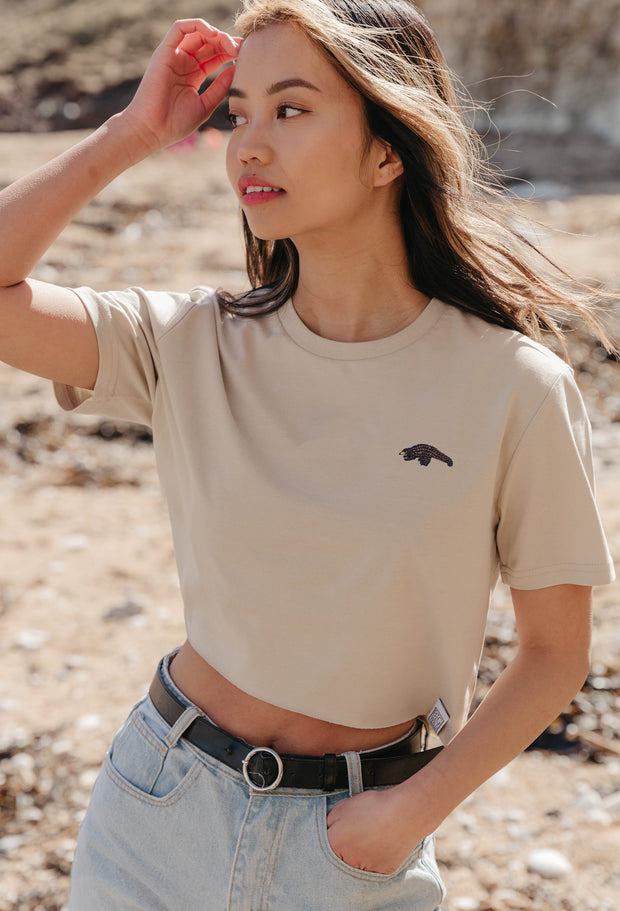 pangolin womens cropped t-shirt