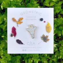 Load image into Gallery viewer, Gold Geometric Giraffe Enamel Pin