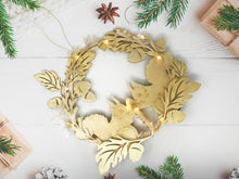 Load image into Gallery viewer, LED Squirrel Holiday Wreath