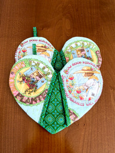 heart shape mitt; heart-shaped potholders; quilted potholders; Cotton potholders; Quilted potholders; Hostess Gift; Shower gifts