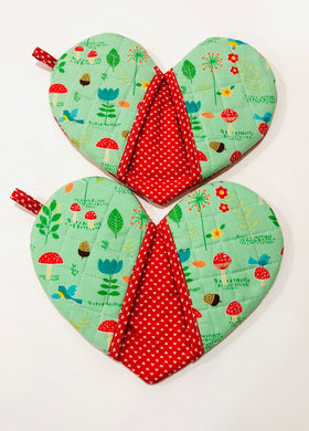 heart shape potholders; quilted potholders; Cotton potholders