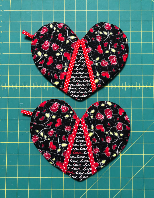 Pick any pair of; Quilted potholders; heart-shaped potholders; Heart-shaped mitt; Oven Mitt; Hostess Gift; Red Roses potholders